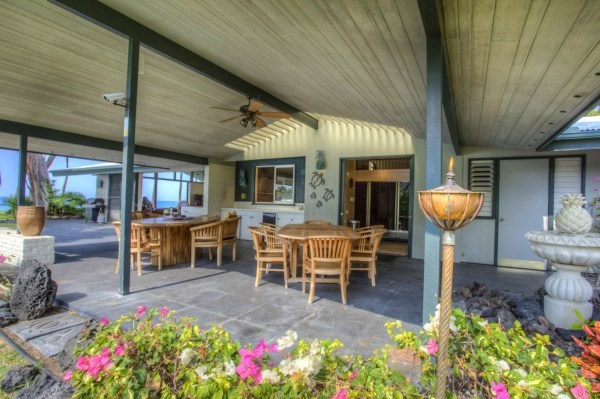 Lanai photo of Keauhou home for sale at auction