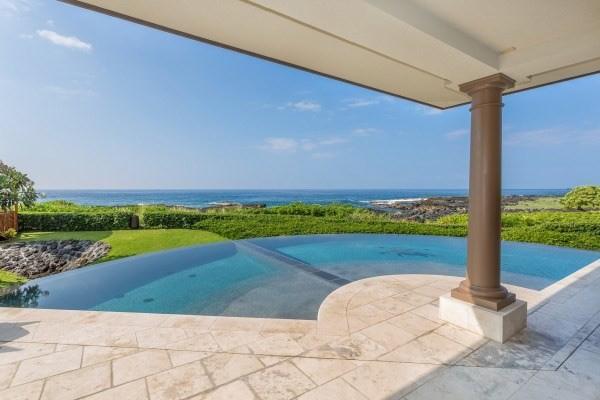 Pool : ocean view
