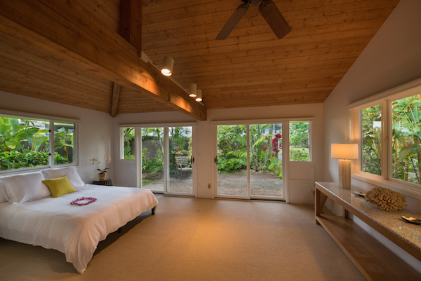 Contemporary Oceanfront Estate On The Shores Of Hanalei Bay Hawaii Real Estate Market Trends