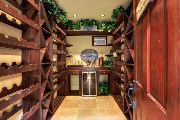 250 Amakihi Way Wine Cellar